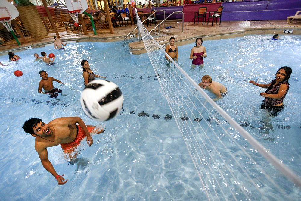 Family Vaction Packages | Zehnder's Splash Village Hotel and Water Park | Frankenmuth, MI ...