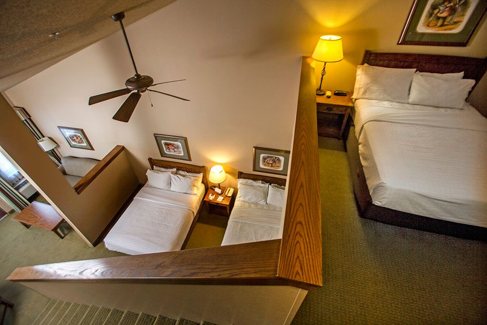family-suite-hotel-room