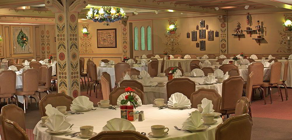 townhall-dining-room