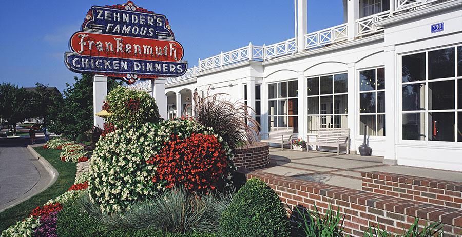 restaurant-topiary-1